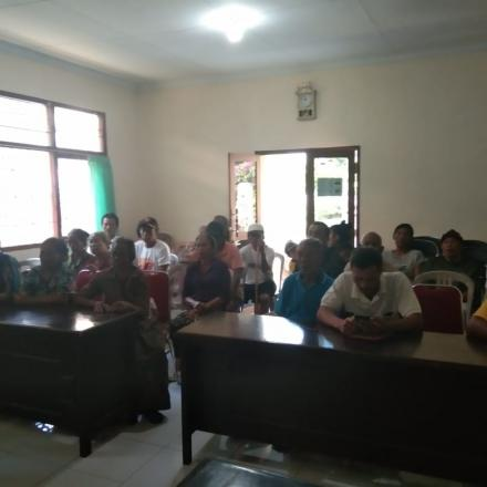 Penyerahan Bantuan PMT untuk Lansia Miskin