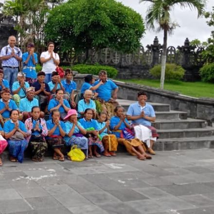 Kegiatan Yayasan Lansia Werdhi Santi Tembuku Bakas Akhir Tahun